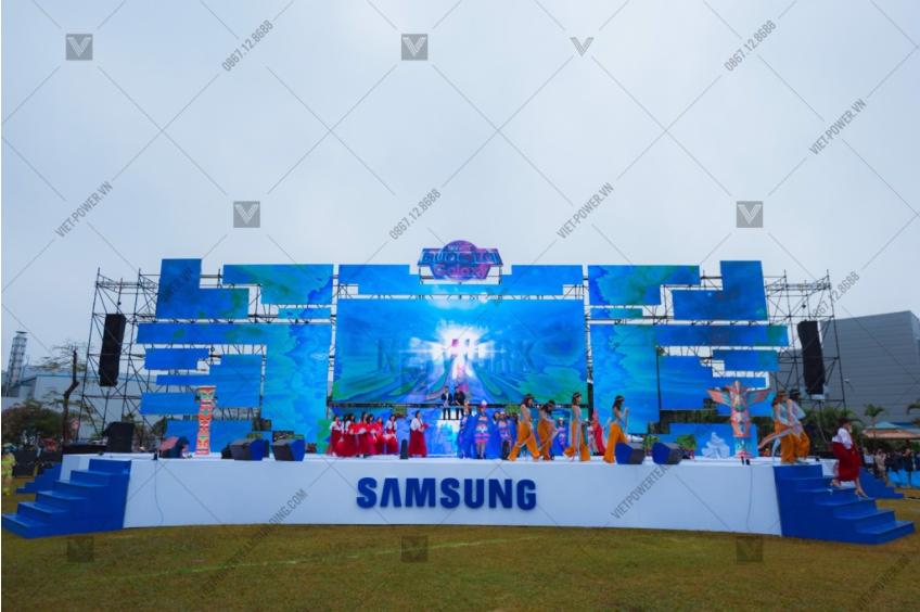 thiết kế sân khấu sự kiện